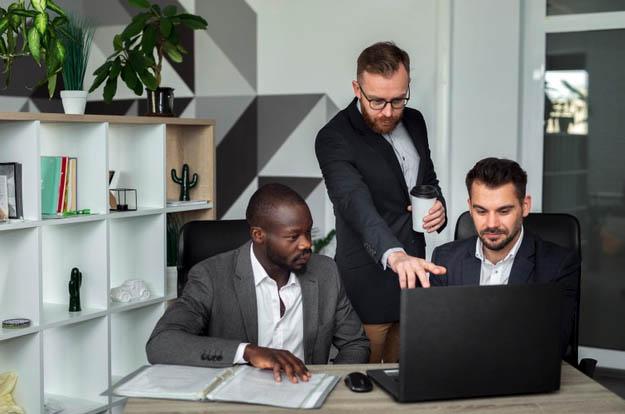 Terceirização de TI: Tenha a Tecnologia da Sua Empresa em Boas Mãos